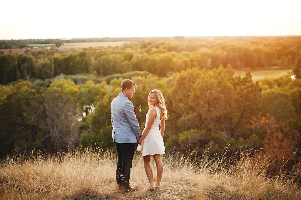 What to Wear for Engagements • The Idaho Bride