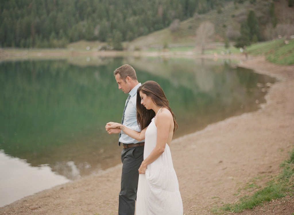 Boise Idaho Mountain Engagements by Jenny Losee Photography