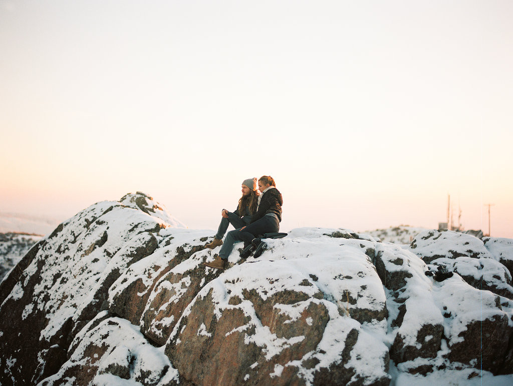 Carefree Winter Engagements at Bogus Basin |  Boise, Idaho | Jenny Losee Photography